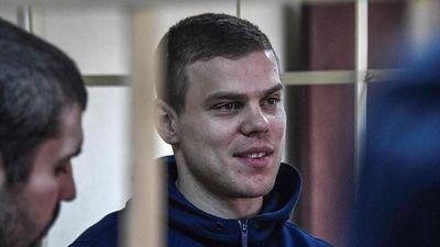 Cựu tiền đạo đội tuyển Nga được ký hợp đồng sau khi ra tù