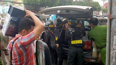 Cảnh sát thu hơn 9 tỷ cùng nhiều tài liệu của Công ty Alibaba