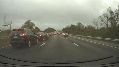 Ôtô đột ngột giảm tốc độ gây tai nạn liên hoàn trên cao tốc