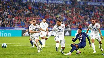 Neymar lần thứ 2 liên tiếp ghi bàn, giải cứu Paris St German!