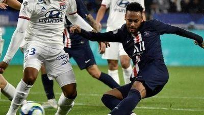 Neymar lại giải cứu PSG trong ngày tiếp tục bị các CĐV lăng mạ và chế giễu