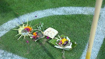Người Indonesia làm lễ cúng trước trận gặp Việt Nam
