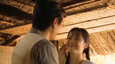 'Tiếng sét trong mưa': Thanh Bình cầu hôn em gái cùng mẹ khác cha