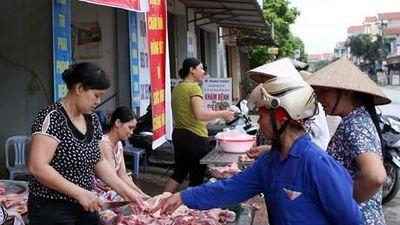Người dân và tiểu thương lo lắng vì giá thịt lợn tăng cao