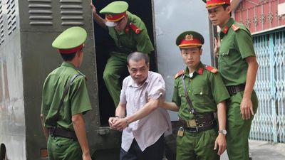 Xét xử gian lận thi cử: Cấp dưới khẳng định nguyên Phó Giám đốc Sở GD&ĐT Hà Giang khai không đúng sự thật