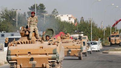 Mỹ-Thổ đạt thỏa thuận ngừng bắn tại Syria, ông Trump lại bị tấn công
