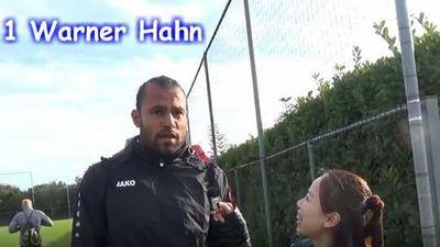 CLIP: Văn Hậu được các đồng đội ở Heerenveen khen hết lời