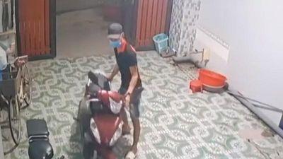 Biên Hòa: Kẻ trộm thản nhiên vào nhà lấy xe máy phóng đi