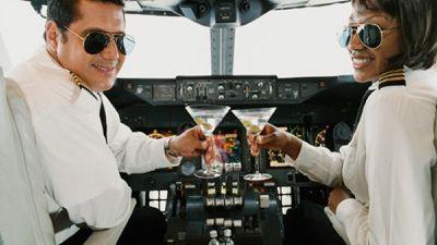 Hệ thống Autopilot trên máy bay hoạt động thế nào?