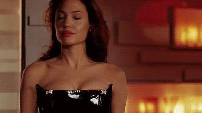 Angelina Jolie - mỹ nhân triệu USD nóng bỏng một thời của màn ảnh
