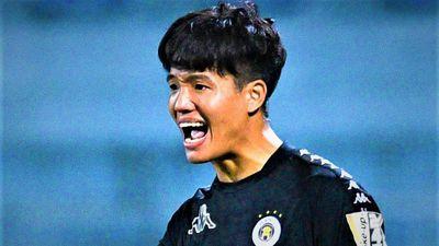 Phí Minh Long ở lại CLB Hà Nội thêm 3 năm