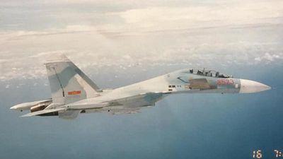 Hình ảnh tiêm kích Su-27 của Không quân Việt Nam những ngày còn 'bỡ ngỡ'
