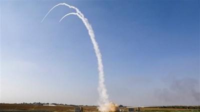 Palestine và Israel giao đấu tên lửa đỏ rực bầu trời Gaza