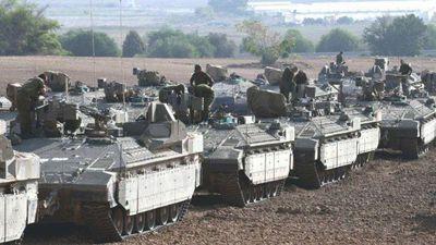 Xe tăng Israel ở gần dải Gaza sau thỏa thuận ngừng bắn
