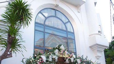 Biệt thự nhà Bảo Thy trước giờ làm lễ cưới