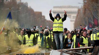 Biểu tình tại Pháp kỷ niệm một năm phong trào 'Áo vàng'