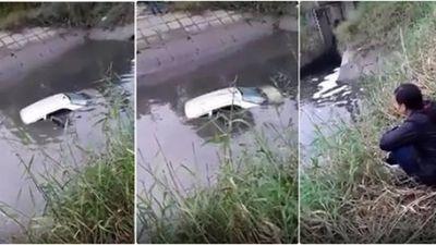 Học lái, người phụ nữ đưa cả xe lẫn thầy xuống mương nước