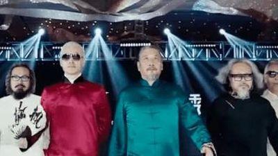 Hội cụ ông Trung Quốc nổi tiếng vì mặc đồ không thua kém giới trẻ