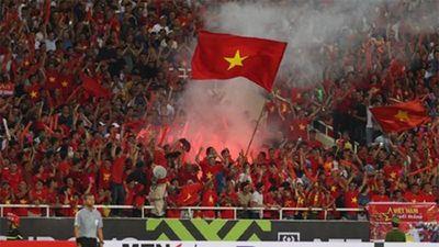 Việt Nam đấu Thái Lan: Có loại trừ được pháo sáng, cổ vũ quá khích?