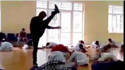 Thầy giáo dạy võ 'tung cước' đánh liên tiếp vào lưng, gáy học sinh khai gì?