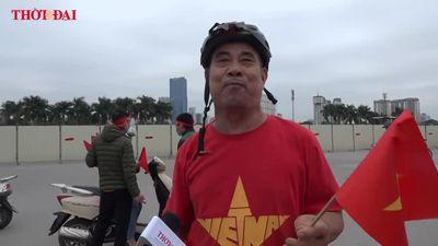 Vác nồi lẩu ra sân Mỹ Đình cổ vũ ĐT Việt Nam, dọa đi 'bão' xuyên đêm