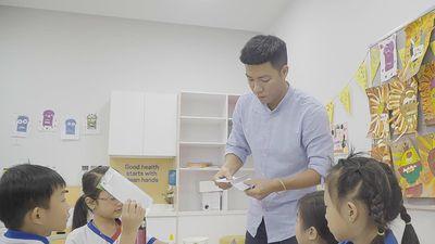 Phụ huynh thử làm giáo viên trong ngày Nhà giáo Việt Nam 20/11