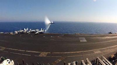 Khoảnh khắc F/A-18 tạo tiếng nổ khi phá tường âm thanh