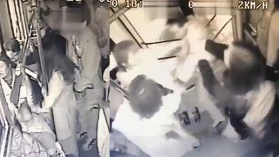 Gã biến thái sàm sỡ trên xe buýt bị nữ sinh 14 tuổi tung đòn khóa cổ