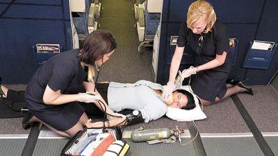 Điều gì xảy ra nếu hành khách đột tử trên máy bay?