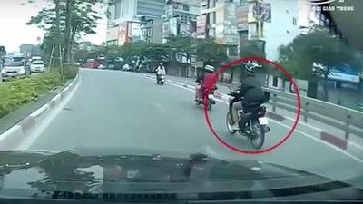 Mải bấm điện thoại, nam thanh niên gặp nạn khi tham gia giao thông