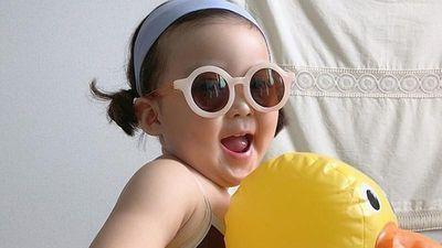 Gương mặt biểu cảm cực thần thái, bé giá Hàn Quốc chiếm sóng MXH
