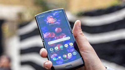 Trên tay smartphone màn hình gập, giá cao gấp 2,1 lần iPhone 11