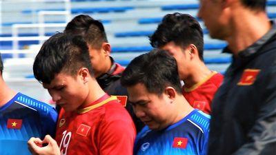 Quang Hải xuất hiện trong buổi tập của U22 Việt Nam