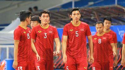 U22 Việt Nam khởi động trước trận gặp Campuchia