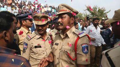 Cảnh sát bắn chết 4 nghi phạm hiếp dâm, thiêu sống nữ bác sĩ ở Ấn Độ