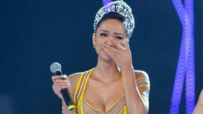 H'Hen Niê bật khóc khi nhớ lại 2 năm làm hoa hậu
