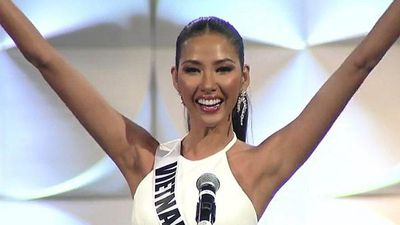 TRỰC TIẾP bán kết Miss Universe 2019: Hoàng Thùy xuất hiện xinh đẹp, tự tin hô vang 'Việt Nam'