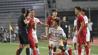 Những pha bạo lực đáng xấu hổ của các cầu thủ trẻ Campuchia trong trận bán kết với U22 Việt Nam