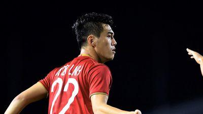 Tiến Linh có biểu hiện bị căng cơ sau trận thắng U22 Campuchia