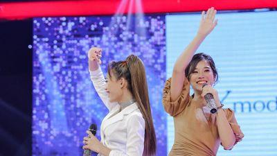 Hoàng Yến Chibi hát cùng giọng ca thảm họa