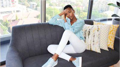 Gu thời trang đầy màu sắc, rạng rỡ của người đẹp Nam Phi đăng quang Miss Universe 2019