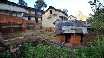 Phụ nữ bị ép ra lều ở vào kỳ kinh nguyệt, bất chấp lệnh cấm ở Nepal