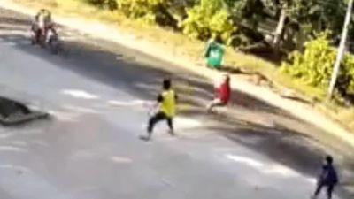 Phó trưởng công an xã bị hai tên cướp tông nhập viện