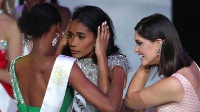 Người đẹp Jamaica hoang mang khi đăng quang Miss World 2019