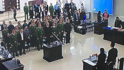 Đang xét xử hai cựu Bộ trưởng Nguyễn Bắc Son và Trương Minh Tuấn