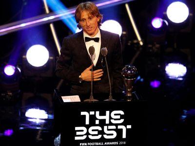 Hai tháng sau khi gây chấn động cả thế giới với chiếc huy chương bạc World Cup, đất nước Croatia một lần nữa ưỡn ngực tự hào với chiến thắng của Luka Modric tại giải FIFA The Best.
