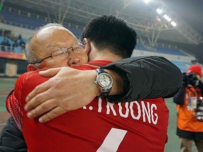 Kết thúc kỳ nghỉ phép ở Hàn Quốc, HLV Park Hang Seo sẽ trở về Việt Nam với bộn bề lo toan cho AFF Cup sắp tới.