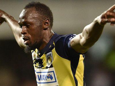 Gây ấn tượng với hai bàn thắng đầu tiên trong sự nghiệp thi đấu bóng đá chuyên nghiệp, 'tia chớp' người Jamaica được một đội bóng ở châu Âu đưa vào tầm ngắm.