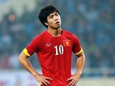 Tiền đạo Công Phượng trên trang Fox Sports châu Á đã bị ghi nhầm tên trong bài viết so sánh anh với một ca sĩ người Thái.