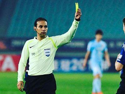 Điều khiển trận đấu giữa Việt Nam và Malaysia là trọng tài Mohammed A. Alkhudayr. Số liệu cho thấy, 3 trận đấu cấp ĐTQG mà trọng tài này điều khiển, Việt Nam đều thất bại